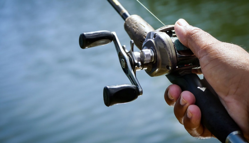How Do You Adjust a Baitcasting Reel?