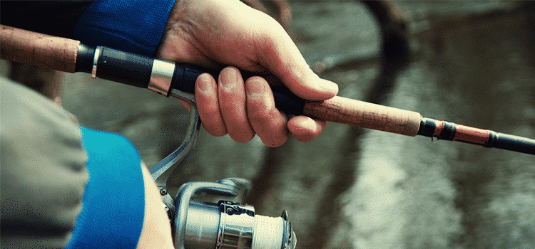 preparing a fishing rod